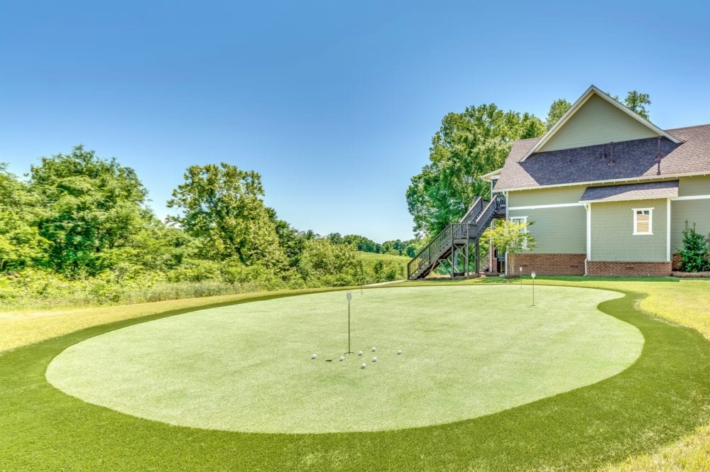 Oster Golf Houses – Additional Putting Green
